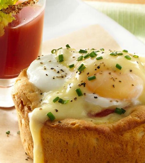 Recipe for Easter Brunch Eggs Benedict Biscuit Cups