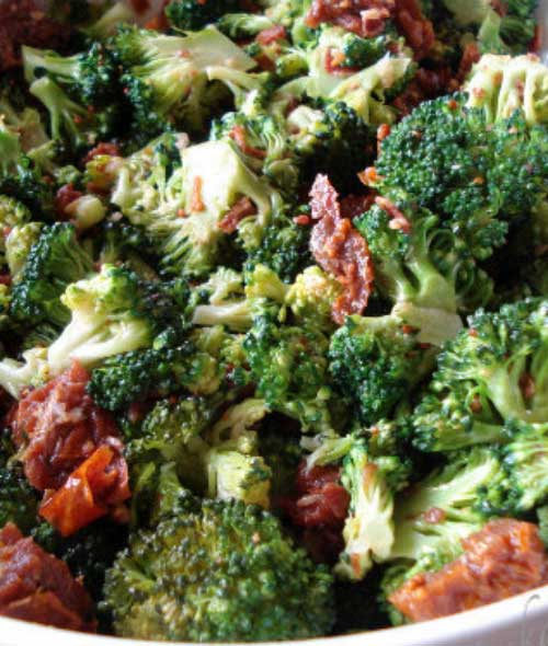 Broccoli Salad with Crisp Bacon Bits