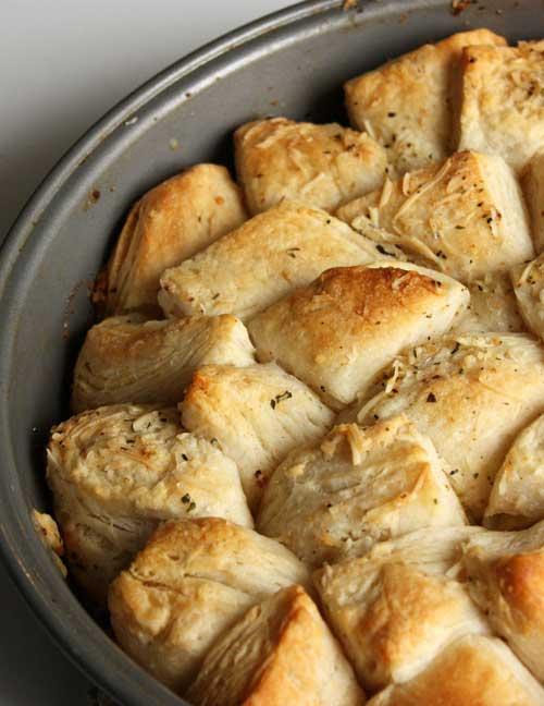 Garlic Parmesan Skillet Bread
