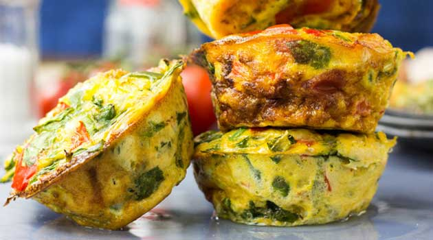 Recipe for Low Carb Breakfast Egg Muffins - It tastes like an omelette, looks like a muffin and is packed full of protein and delicious veggies. The perfect breakfast!