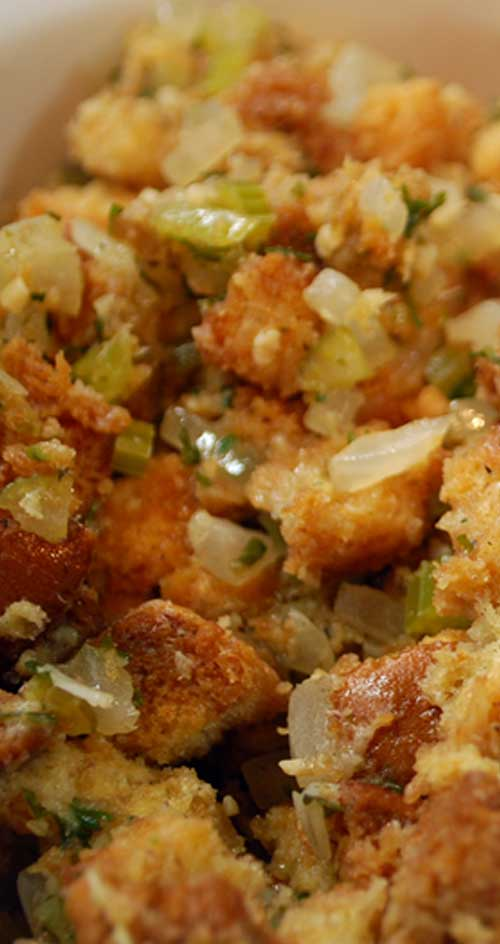 Recipe for Copycat Stove Top Stuffing Mix - I love homemade stuffing but sometimes I crave the kind that comes in a box. This recipe is like getting the best of both worlds.