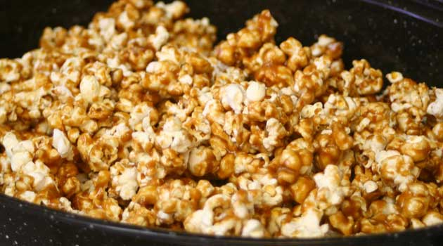 Recipe for Homemade Caramel Corn - I make at least one large batch of caramel corn every Christmas. It is delicious and everyone raves over it.