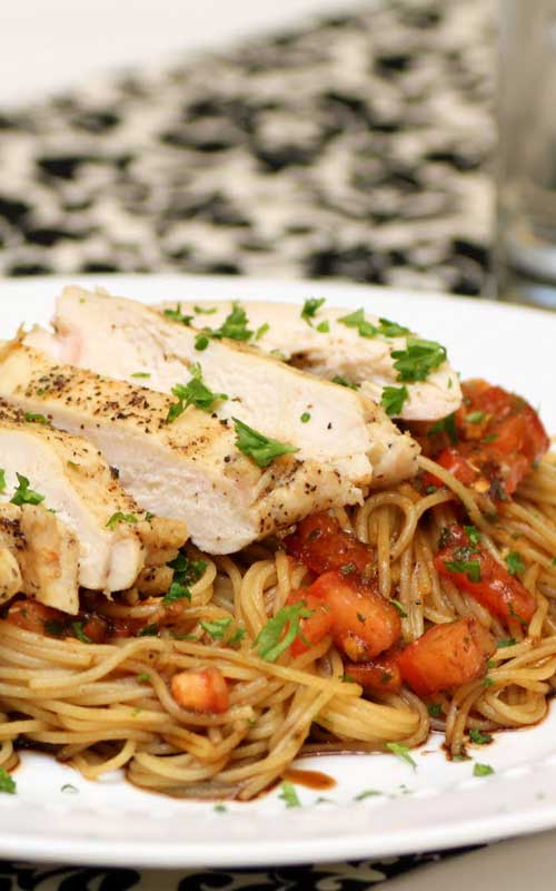 Recipe for Bruschetta Chicken Pasta - This recipe is so amazingly delicious!! One of my absolute favorites! I don't know if anyone has ever had this at TGI Fridays, but this recipe taste exactly like the original!