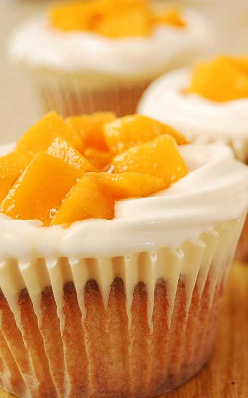 Mango Cream Cheese Cupcakes