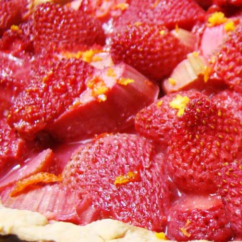 Recipe for Strawberry Rhubarb Daiquiri Pie - This pie, with its hint of rum to round out the filling's sweetness, is easy to throw together. Oh-so-good to enjoy on any beautiful day!