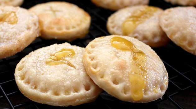 Recipe for Lemonade Pie Cookies - When life hands us lemons, we make lemonade...pie cookies. Bite into a sweet surprise!