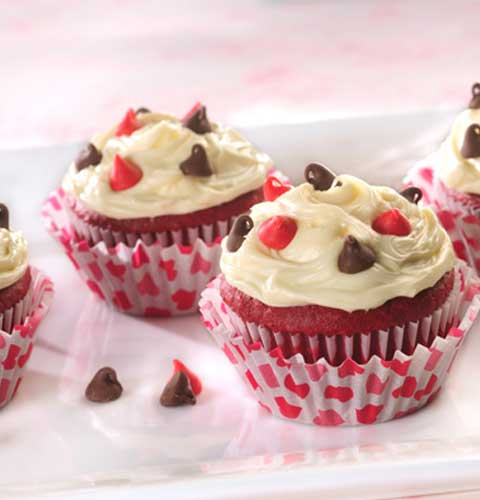 These Red Velvet Be Mine Valentine Cupcakes are so easy, the kids can help make these little Valentine cuties!!