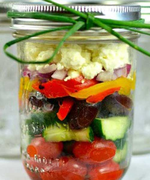 Recipe for Chunky Mediterranean Mason Jar Salad