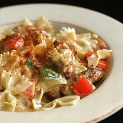 Having a craving for the Louisiana Chicken Pasta that you can get from the Cheesecake Factory? Well, with this recipe here…you can make it yourself!