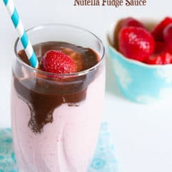 Recipe for Strawberry Cheesecake Smoothie with Nutella Fudge Sauce