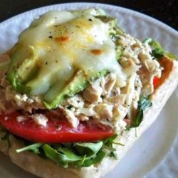 Recipe for Grown Up Tuna Melts - Standing in front of my pantry, I realized I had plenty of tuna that I never really got around to using. Sure, I could have made a basic tuna salad sandwich, but that'd be no fun. And then it came to me: Grown Up Tuna Melts.