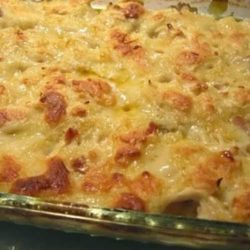 Everyone loves chicken and dumplings. With this Chicken Dumpling Casserole recipe, you can get all that comfort food greatness, without all the muss and fuss, anytime you are wanting it!