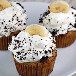These Banana Cream Pie Cupcakes pack all the yummyness of a banana cream pie, baked into cupcake form. AND they are gluten-free!