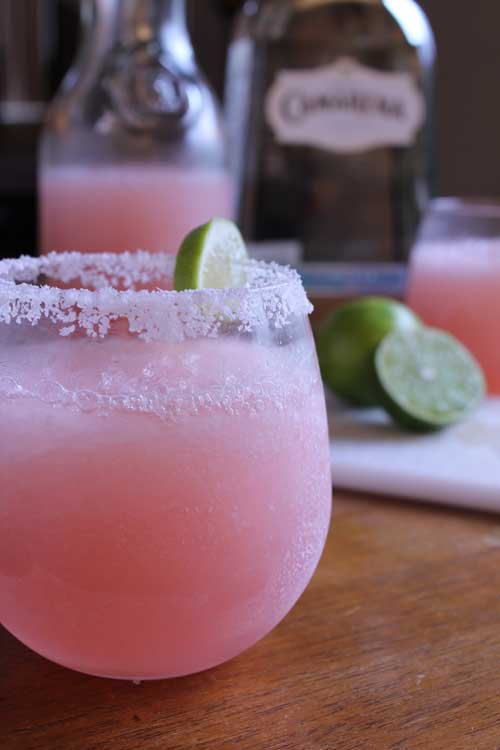 These Pink Grapefruit Margaritas will certainly liven up your weekend, both refreshing and delicious. They are super simple to make, and are sure to be a hit at your next party.