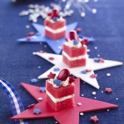 Recipe for Patriotic Petit Fours - These are so cute, and beyond easy to make! Perfect for a Fourth of July get-together.