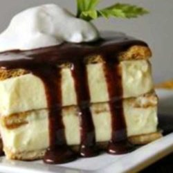 Recipe for No-Bake Chocolate Eclair Cake - This is a no-bake pudding dessert that's so quick and easy to make--everyone loves it. I always keep the ingredients on hand in case I need a quick dessert.
