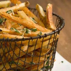 These fries will help you to eat what you love. Crispy fries, without all the extra fat and calories. Sounds like a winner to me!