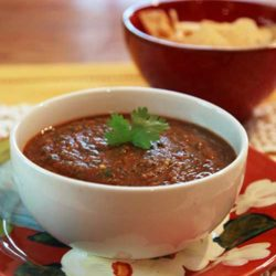 Recipe for Restaurant-Style Roasted Salsa Roja - This is the best restaurant-style salsa roja recipe because it is very simple, has great texture and uses roasted vegetables.