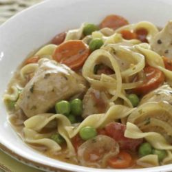 Recipe for Slow Cooker Italian Chicken with Noodles - After a busy day, it's nice to be met with the incredible aroma of this comforting slow cooker chicken recipe that everyone will love!