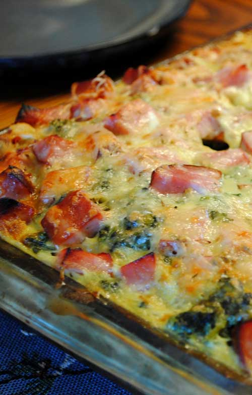 Recipe for Ham and Swiss Breakfast Casserole - You can actually prep this the night before, then just pop it into the oven in the morning. Perfect for any holiday or weekend morning where you don't want to spend a ton of time cooking.