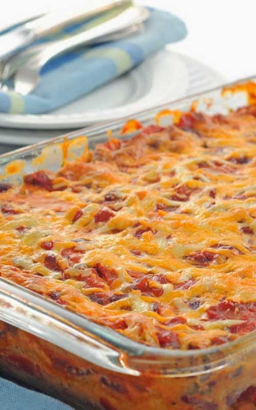 Recipe for Mexican Ground Beef Casserole - This is a delicious Mexican Casserole recipe with only 6.5 weight watcher points per LARGE serving! YUM