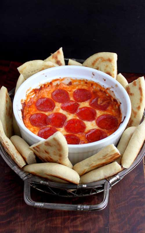 Lazy 4-Layer Deep Dish Pizza Dip