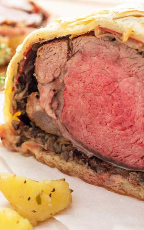 Recipe for Classic Beef Wellington - If you are looking for a fancy dinner idea, look no further! Beef Wellington is what you need to impress your dinner guests!