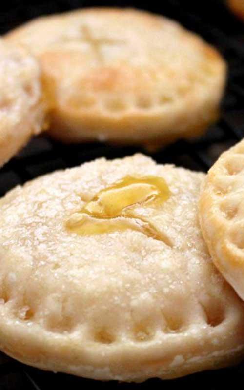 When life hands us lemons, we make lemonade...pie cookies. Bite into a sweet surprise with this recipe for Lemonade Pie Cookies!