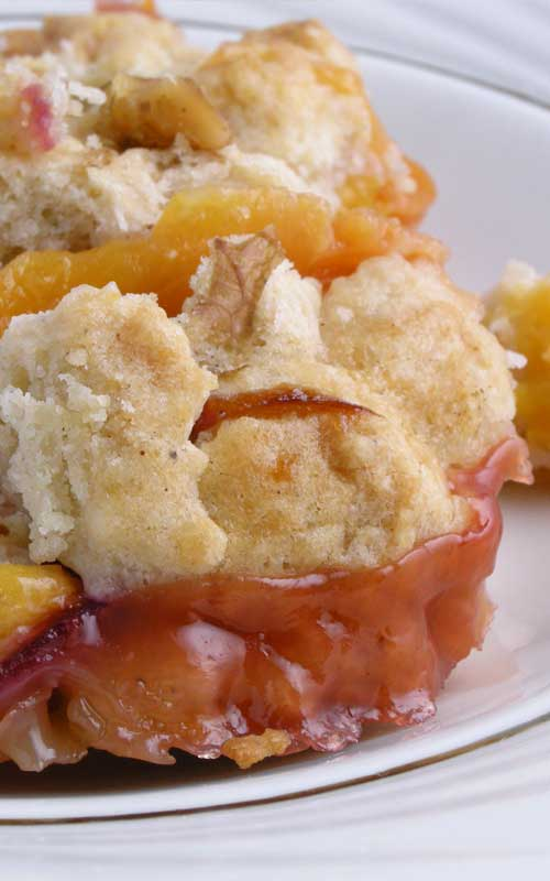 Recipe for Summer Peach Cobbler - Summer is a favorite time of the year for many reasons, but for me, it means fresh peaches. When I think of the perfect summer dessert, Peach Cobbler is top on of the list.