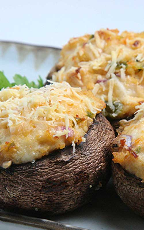 When you combine mushrooms with crab, jalapenos, and cheese, you really get a winning appetizer, these Spicy Crab Stuffed Mushrooms!