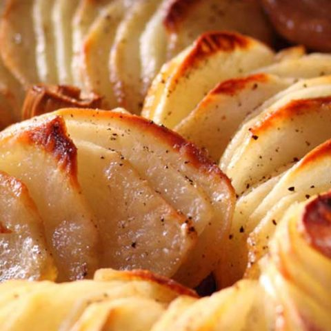 These delicious Crispy Garlic Potatoes are the perfect side dish to have with almost any meal! These tender and crispy potatoes, infused with aromatic garlic, will leave everyone wanting more.